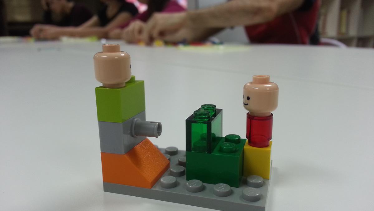 Taller de Lego Serious Play en la que un Lego es un poco obsceno